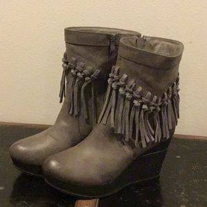 Like New Sbicca Gray Tassel Boots